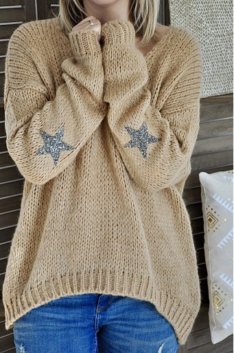 Romy oversized camel sweater with a star